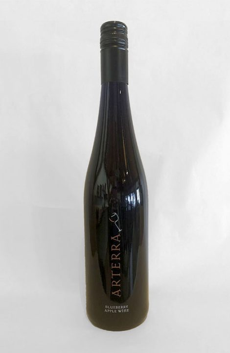 Arterra Blueberry Apple Wine bottle